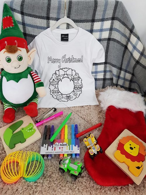 Christmas colour-in T-shirt – Christmas Wreath